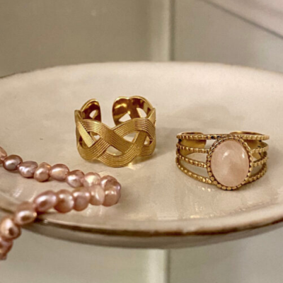 4 delige ring met ovalen steen
